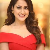 pragya-jaiswal-new-stills01