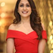 pragya-jaiswal-new-stills08