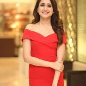 pragya-jaiswal-new-stills10