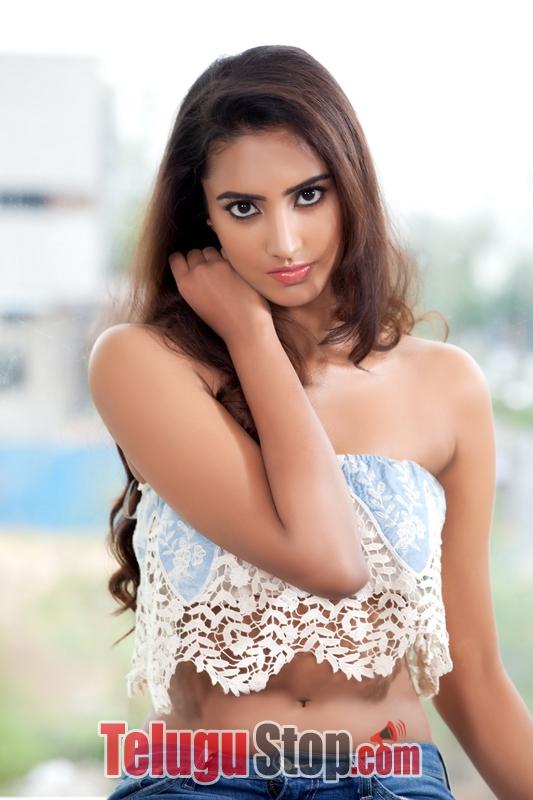 Pranathy sharma portfolio stills- Photos,Spicy Hot Pics,Images,High Resolution WallPapers Download