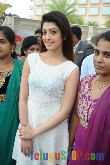 Pranitha latest pics- Photos,Spicy Hot Pics,Images,High Resolution WallPapers Download