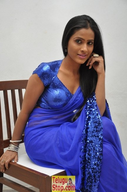 Prasanthi new stills- Photos,Spicy Hot Pics,Images,High Resolution WallPapers Download