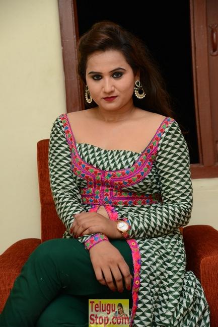 Preyasi nayak new stills- Photos,Spicy Hot Pics,Images,High Resolution WallPapers Download