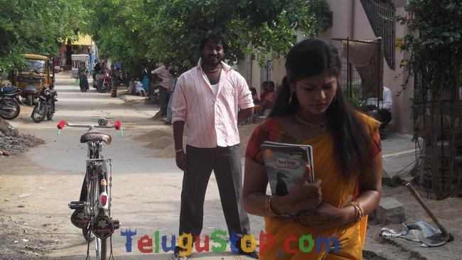 Priya nee meedey aashaga movie stills- Photos,Spicy Hot Pics,Images,High Resolution WallPapers Download