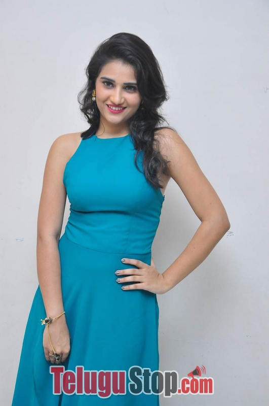 Priya Singh Latest Stills-Priya Singh Latest Stills-
