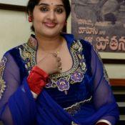 Priya Stills HD 9 ?>