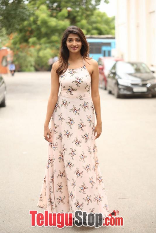 Priya Vadlamani Latest Pics-