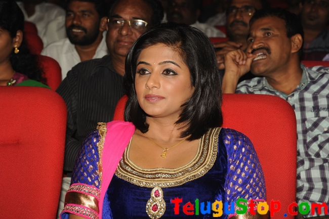 Priyamani stills- Photos,Spicy Hot Pics,Images,High Resolution WallPapers Download