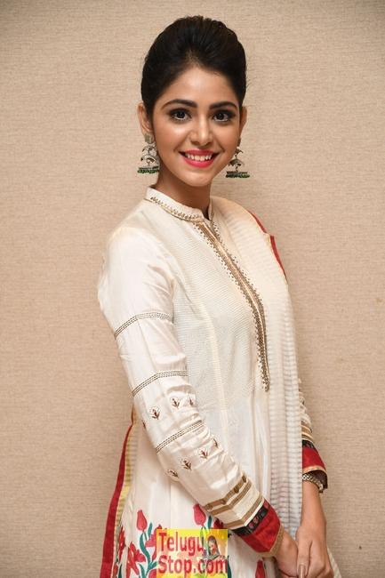 Priyanka Bharadwaj New Stills-Priyanka Bharadwaj New Stills--Telugu Actress Hot Photos Priyanka Bharadwaj New Stills-