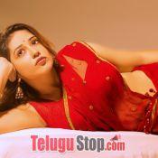 Priyanka Jawalkar Traditional Photo Shoot