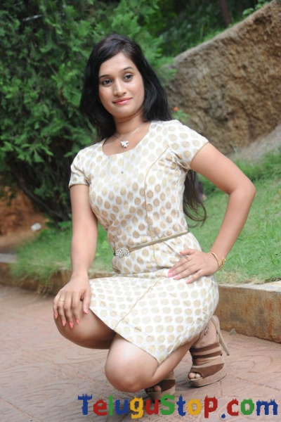 Priyanka pallavi new gallery- Photos,Spicy Hot Pics,Images,High Resolution WallPapers Download