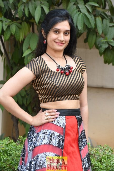 Priyanka pallavi new stills 2- Photos,Spicy Hot Pics,Images,High Resolution WallPapers Download