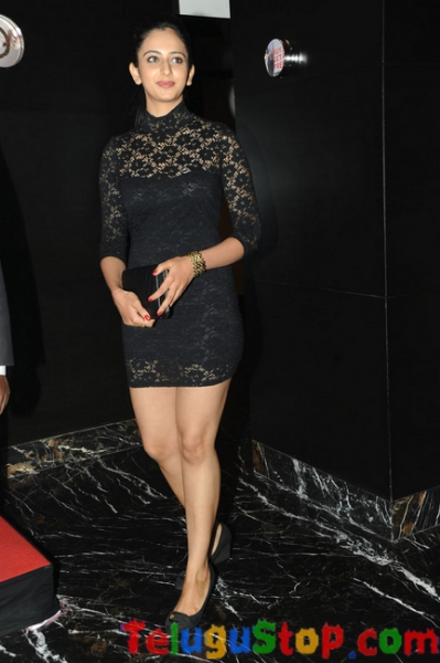 Raakol preethi singh latest stills- Photos,Spicy Hot Pics,Images,High Resolution WallPapers Download
