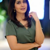 Raashi Khanna New Stills