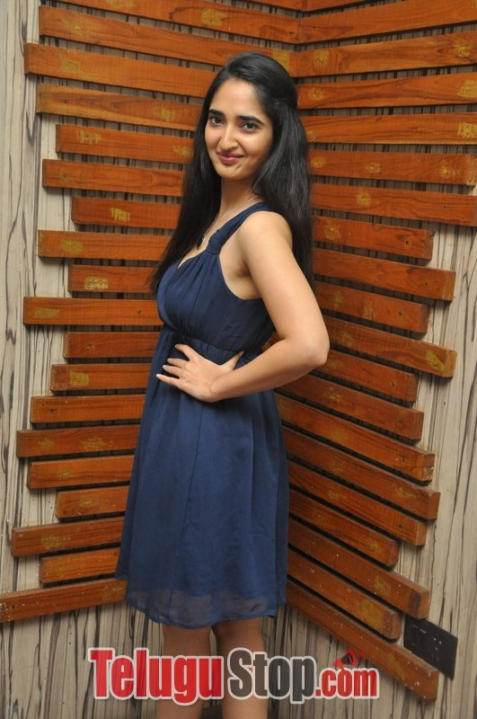 Radhika mehrotra gallery- Photos,Spicy Hot Pics,Images,High Resolution WallPapers Download
