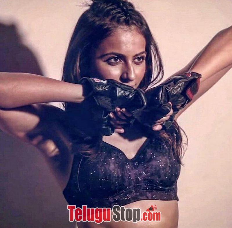 Rakul Preet Singh Hot Stills-
