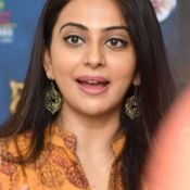 rakul-preet-singh-interview-stills09