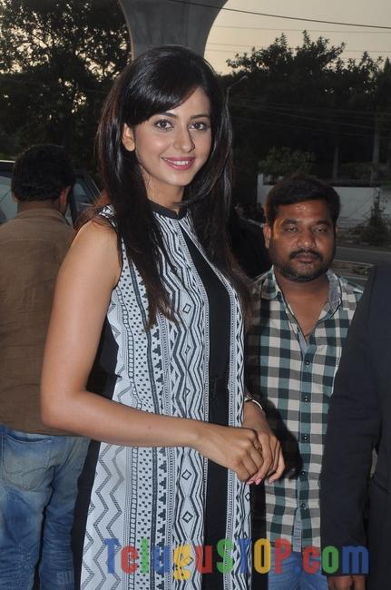 Rakul Preet Singh latest Pics-Rakul Preet Singh Latest Pics-