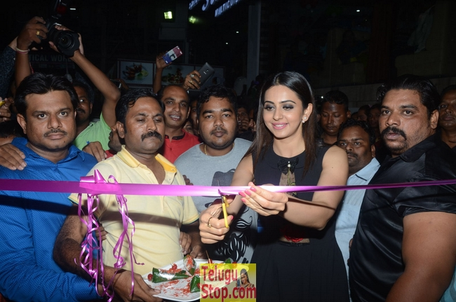 Rakul Preet Singh Launches Sahara Cafe-Rakul Preet Singh Launches Sahara Cafe-