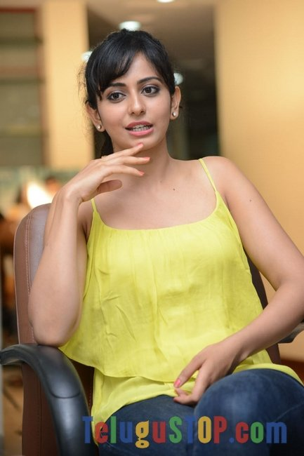 Rakul preet singh new pics- Photos,Spicy Hot Pics,Images,High Resolution WallPapers Download