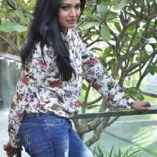ramya-new-stills01