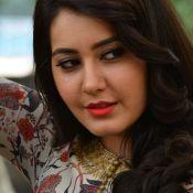 rashi-khanna-latest-stills0