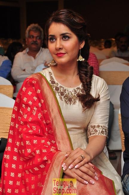 Rashi Khanna Latest Stils-Rashi Khanna Latest Stils-