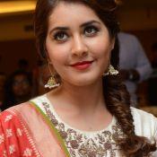 rashi-khanna-latest-stils10