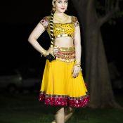 rashi-khanna-new-stills01