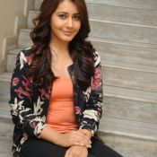 Rashi Khanna Stills Photo 5 ?>