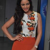 ravneet-kaur-new-stills03