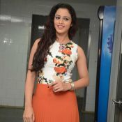 ravneet-kaur-new-stills05