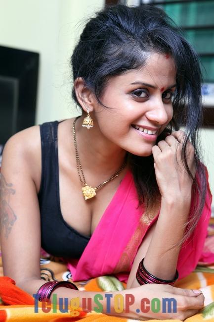 Rgv sridevi movie actress anushkriti pics
