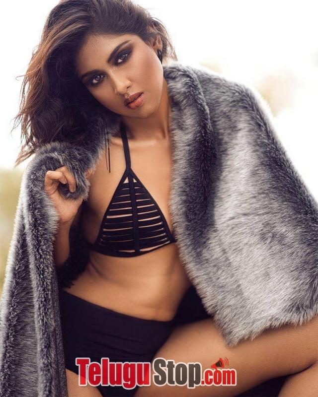 Rishitha Koruturu Hot Pics-