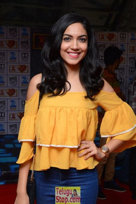Ritu varma latest pics- Photos,Spicy Hot Pics,Images,High Resolution WallPapers Download