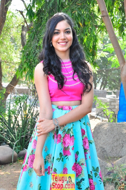 Ritu varma new gallery 2- Photos,Spicy Hot Pics,Images,High Resolution WallPapers Download