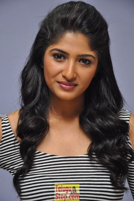Roshini Prakash New Pics-Roshini Prakash New Pics-