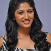 Roshini Prakash New Pics Photo 3 ?>