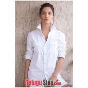 Ruhani Sharma Spicy Pics---రుహాణి శర్మ స్పైసీ పిక్స్ Pic 7 ?>