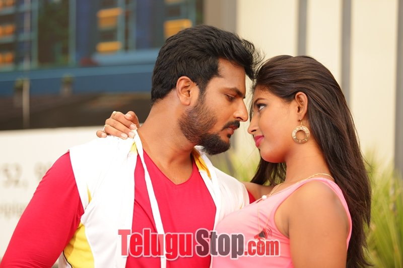 Runam Movie Stills and Walls-Runam Movie Stills And Walls-