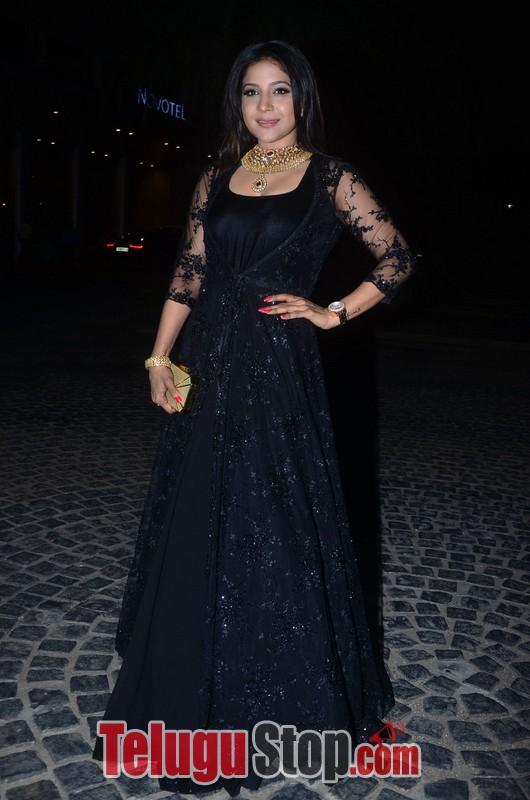 Sakshi Agarwal New Stills-Sakshi Agarwal New Stills--Telugu Actress Hot Photos Sakshi Agarwal New Stills-