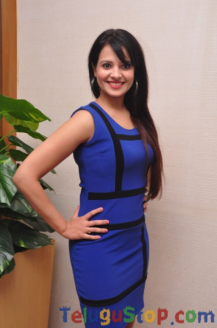 Saloni Latest Stills-Saloni Latest Stills--Telugu Actress Hot Photos Saloni Latest Stills-