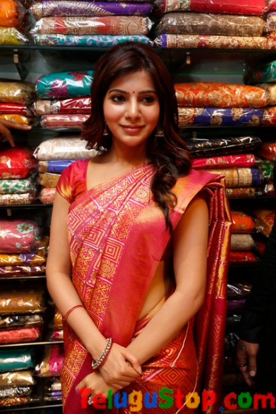 Samantha latest stills- Photos,Spicy Hot Pics,Images,High Resolution WallPapers Download