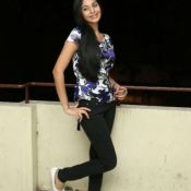 sanam-shetty-stills16