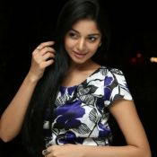 sanam-shetty-stills17