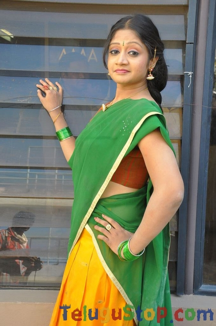 Sandeepti new stills- Photos,Spicy Hot Pics,Images,High Resolution WallPapers Download