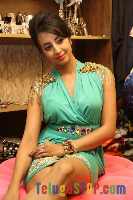 Sanjjanaa galrani stills- Photos,Spicy Hot Pics,Images,High Resolution WallPapers Download