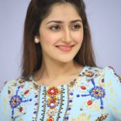 sayesha-saigal-latest-photos02