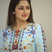 sayesha-saigal-latest-photos09