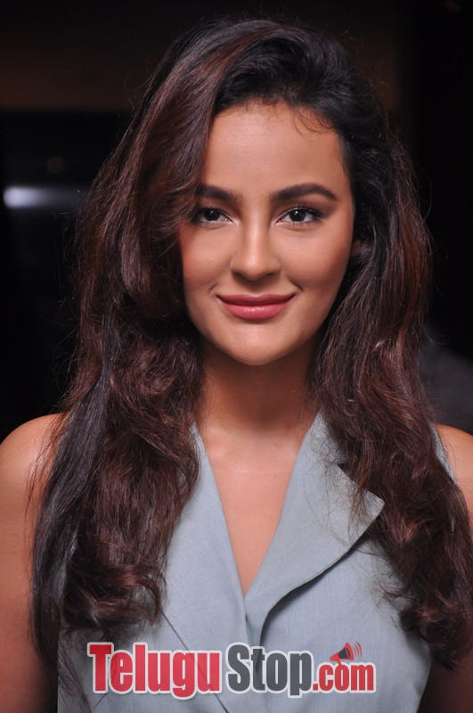 Seerat Kapoor Latest Stills-Seerat Kapoor Latest Stills-